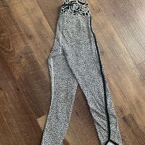 RARE Lululemon cropped leggings